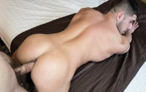 [VIDEO] Damien Stone bottoms for the First Time on camera