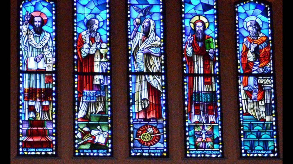 10 Santos Católicos Famosos con Vidas Super Milagrosas