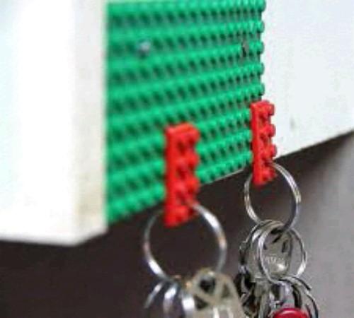 gantungan kunci daur ulang lego
