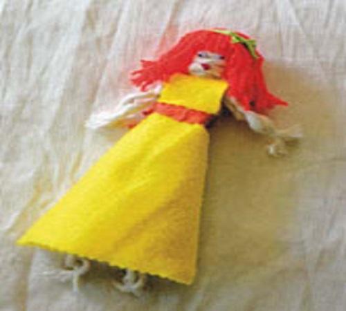 Kreasi Boneka Lucu dari Sumbu Kompor Bekas