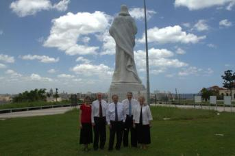 Élder Holland visita La Habana Cuba