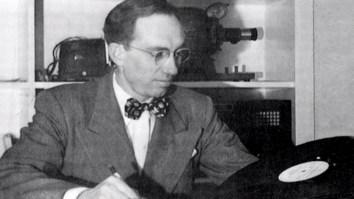 Gordon B. Hinckley trabajó en varias producciones de audio y video para la Iglesia.