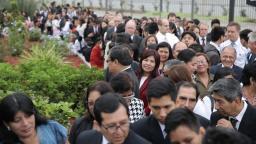 Vista de los asistentes al Templo de Trujillo en el día de su Dedicación.