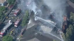 El techo de la capilla colapsó por el incendio.