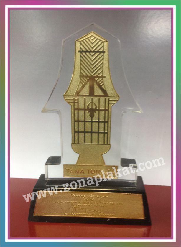 Plakat Penghargaan Tana Toraja