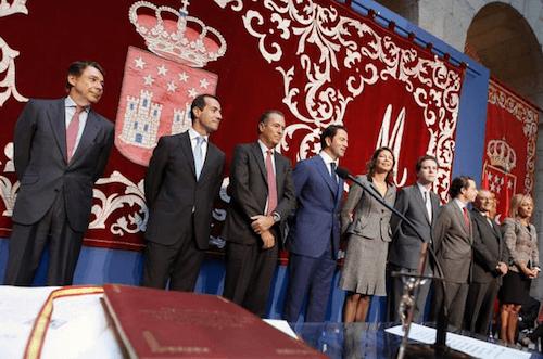 Lasquetty, Victoria y Cavero junto al resto del equipo de gobierno - CAM