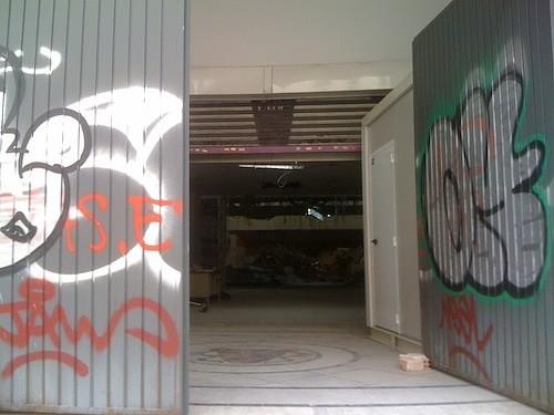 Entrada a los antiguos Cines Benlliure, hoy 25 de febrero de 2013 - Z.R.