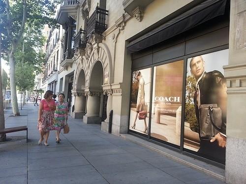 Escaparate de la tienda Coach, en Serrano 22 - Zonaretiro.com