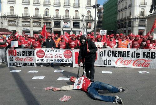 Manifestación de empleados de Coca-Cola, el 30 de marzo en Sol - TW @petonazototal
