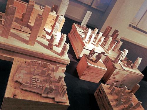 Maquetas de 'Torres orientales' en el Palacio de Cibeles