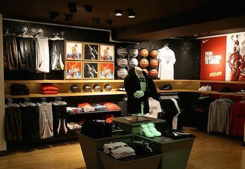 Hazme Estimar esencia  Nike inaugura una tienda de 700 metros cuadrados en la calle Serrano | Zona  Retiro -