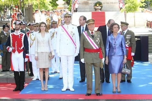 Los Reyes y los Príncipes de Asturias, este domingo en la Plaza de la Lealtad - CR