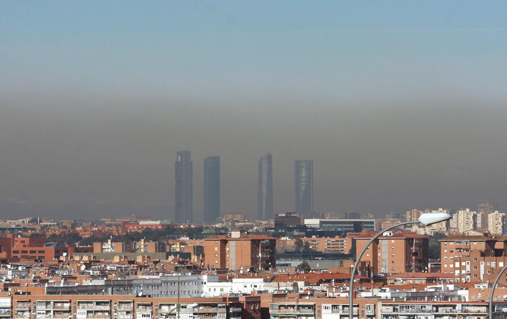 La contaminación encapsulada se quedará en Madrid hasta el jueves ... 9e970677b0c