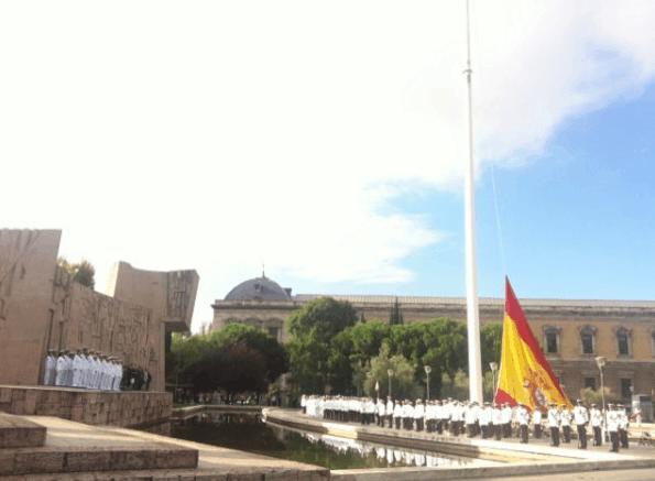 izado-bandera-colon-22-septiembre-2014