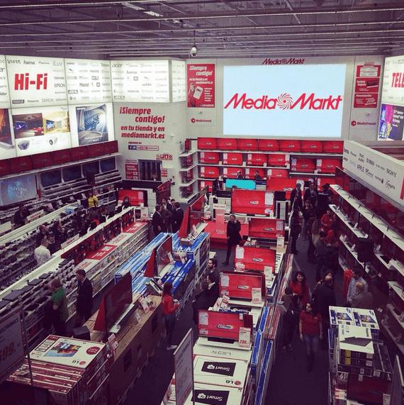 El Media Markt de Goya abierto de madrugada
