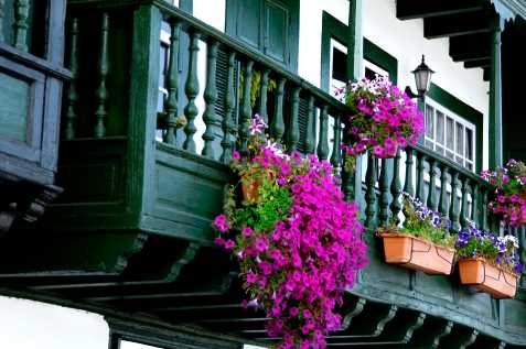 Foto de los balcones de Santa Cruz de La Palma. Autos: Pilar Fernández