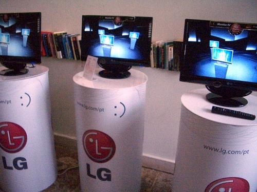LG_M80