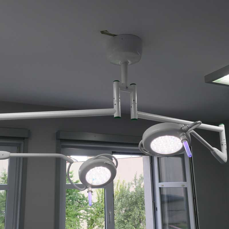 Solis 6060 Surgical Light