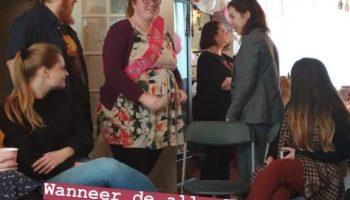 De leesbeesten hadden een verrassing voor me: een babyshower!