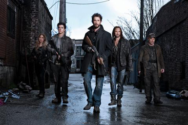 falling-skies_gallery_04_sarah-carter_drew-roy_noah-wyle_colin-cunningham_will-patton_phmichaelmuller_22049_001_2332_r_35273_4633_low
