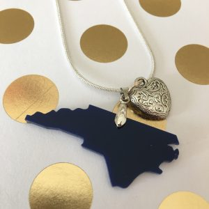 acrylic NC necklace navy heart