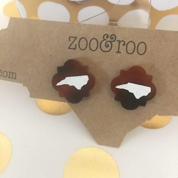 tortoise quatrefoil earrings with white glitter NC