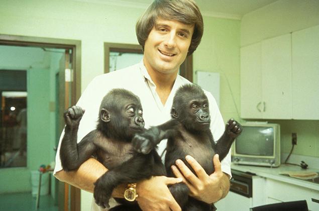 Jack Hanna with twins Macombo II and Mosuba.