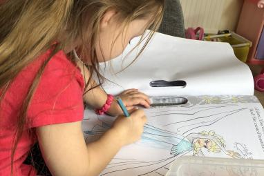 #WordlessWednesday – A colouring adventure