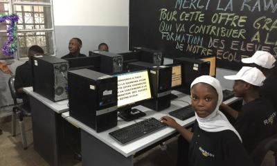 Kinshasa: Rawbank offre 82 ordinateurs à une école privée à Barumbu 11