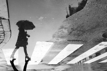 The lady with the umbrella_Thomas Toft_1401