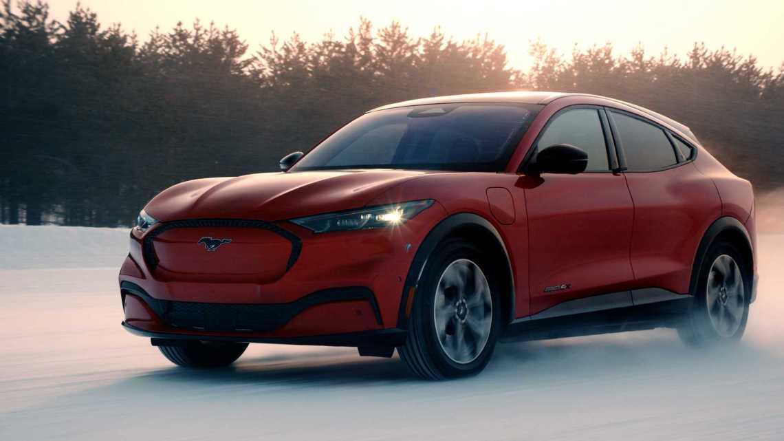 Nuevo sistema inalámbrico para el Mustang Mach-E (4)