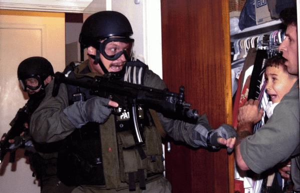 alan diaz premio pulitzer 2001