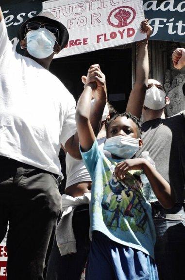 chrysdavis fathersonprotest