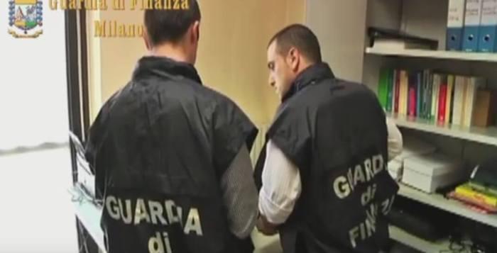 funzionari arrestati a milano