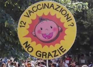 vaccini milano manifestazione