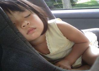 Milano, bambina dimenticata in automobile