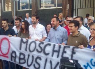 via Cavalcanti presidio anti moschea