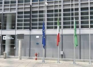 bandiere a Mezz'asta per Bruno Gullotta