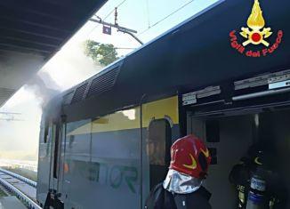 vigili del fuoco vagone trenord