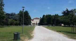 villaschleiber-324x177 Villa Schleiber. Tra mostre e sedute di risata Intrattenimento tempo libero