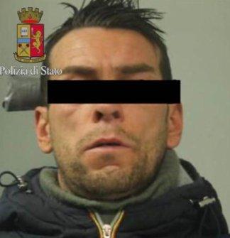 photo_2018-03-07_15-07-58-e1520466851614-324x335 Arrestato rapinatore seriale di farmacie: è merito della madre Cronaca Milano Prima Pagina