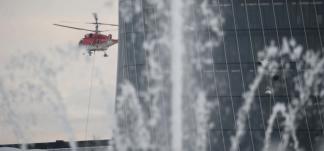 elicoteromilano-324x151 Elicottero a Milano. Trasporta una gru sullo Storto Costume e Società Curiosità