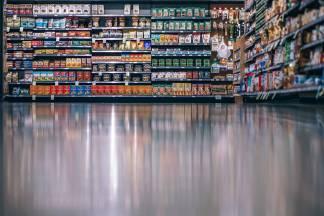 supermercato-324x216 Anche il 1° maggio, negozi e supermercati aperti Costume e Società Fiere e mercati