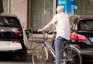 umarel-elettricirtà-324x225 A Milano sono 14 le colonnine A2A e Nissan per ricaricare l'auto con l'elettricità Ambiente Costume e Società