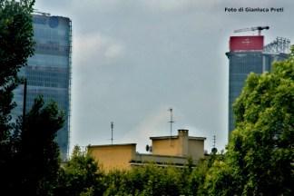 Storto-generali-324x216 CityLife: l'insegna rossa della torre Hadid crea qualche problema Costume e Società