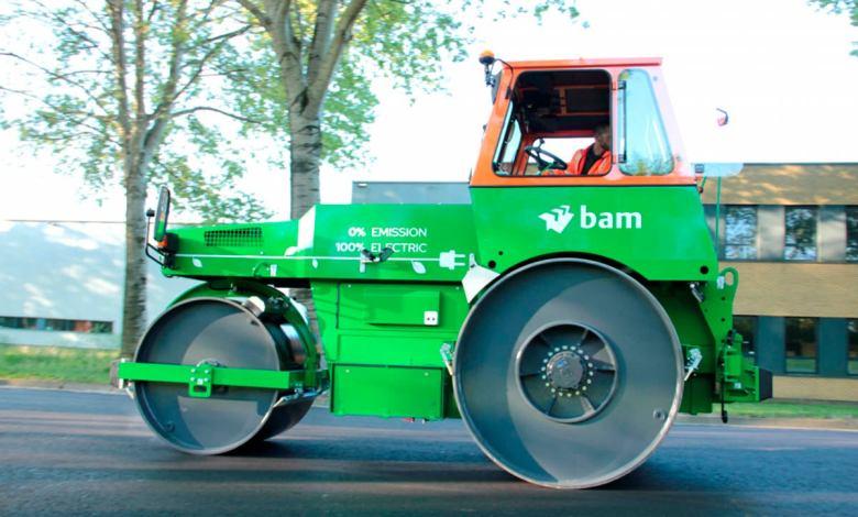este-es-el-primer-rodillo-compactador-electrico-que-ya-trabaja-en-el-asfaltado-de-carreteras