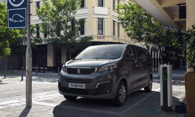 peugeot-e-traveller:-una-furgoneta-electrica-pensada-para-el-transporte-de-pasajeros
