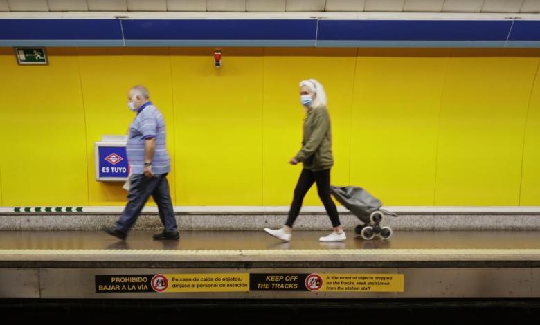 un-hombre-intenta-arrojar-a-las-vias-del-metro-a-un-vigilante-que-le-pidio-que-se-pusiera-la-mascarilla