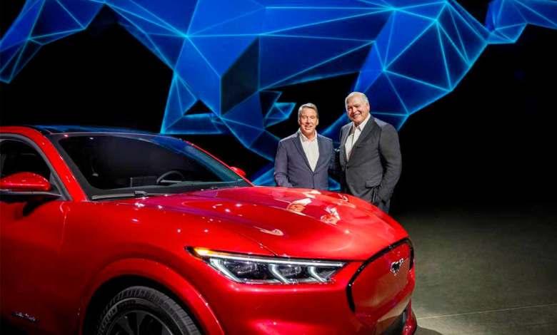 coches-electricos,-recarga-y-software:-la-respuesta-de-ford-a-su-crisis-economica