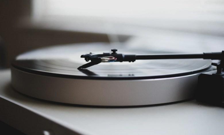 el-vinilo-resurge-definitivamente:-34-anos-despues-logra-vender-mas-que-el-formato-cd-en-eeuu.;-en-espana-tiene-un-40%-de-cuota